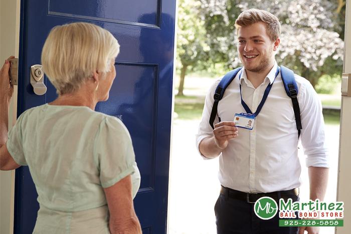 Tips For Dealing With Door To Door Scams