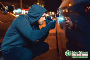 The Difference Between Carjacking & Auto Theft In California